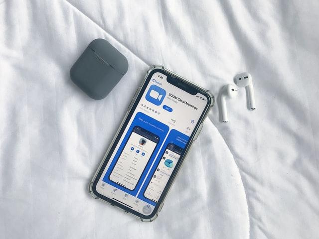 Cara Menggunakan Zoom di iPhone