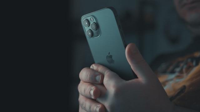 Cara Restart HP iPhone Semua Model